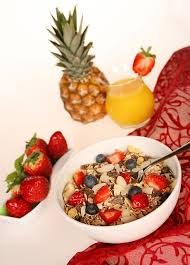 Diets to Lower Cholesterol should include oats and a selection of fruits